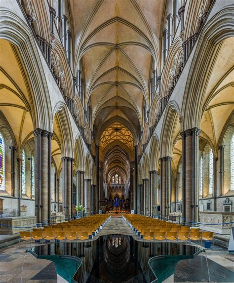 Salisbury Cathedral Historical Facts and Pictures | The