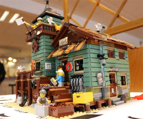 LEGO Ideas Old Fishing Store 21310 im Detail