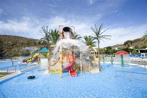 8 of the Best Water Parks in Spain | AttractionTix
