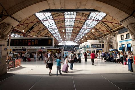 London Victoria - Facilities, Shops and Parking Information