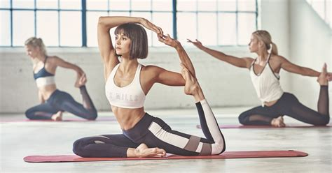 This Yoga Workout Will Give You Toned Abs Like Nina Dobrev