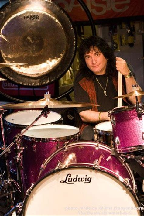 The Highway Star — Blackmore to tour Over The Rainbow