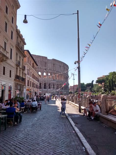File:Gay Street, Rome, and Colosseum